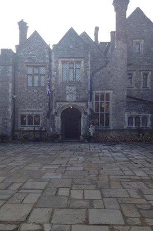 The Manor Restaurant:                   entrance :)
