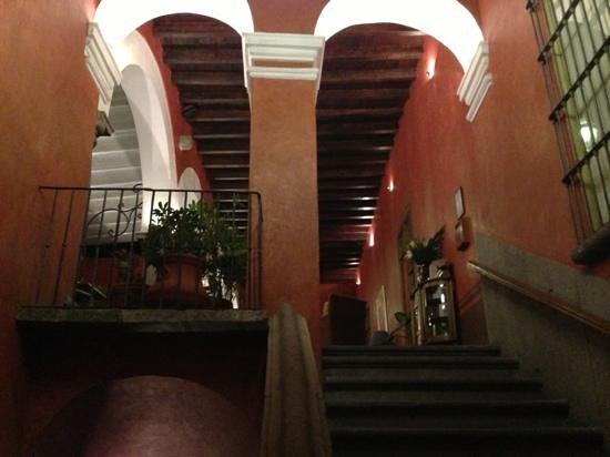 Casona de la China Poblana:                   stairs to the suites