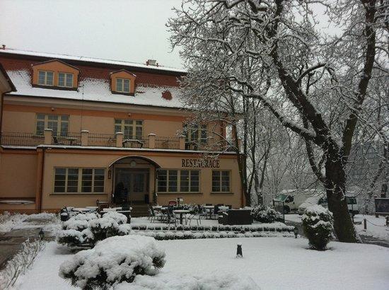 Castle Residence Praha:                                     Front