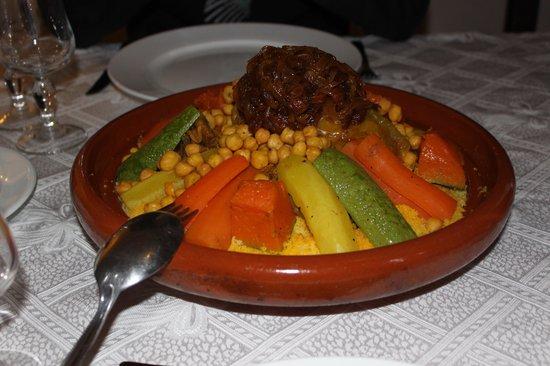 Villa d'Akhdar :                   Couscous de Khadija