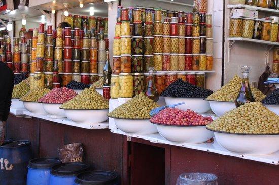 Villa d'Akhdar :                   Le souk de Marrakech