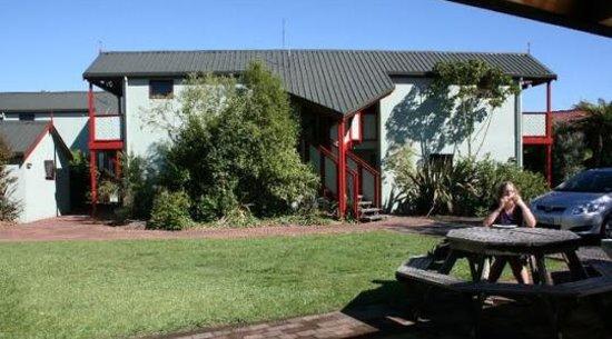 The Backyard Inn : Private BBQ Area