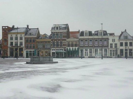 Logement de Gaaper:                                     Snowy market