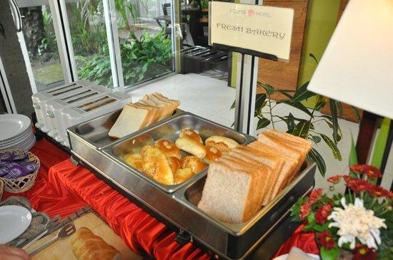 Eclipse Hotel:                                     Breakfast
