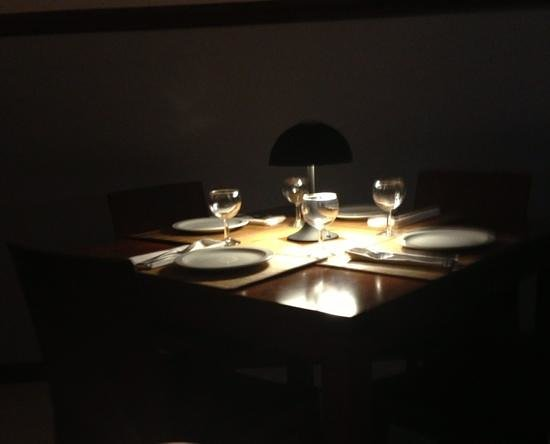 4141 Restaurante :                   table for 4