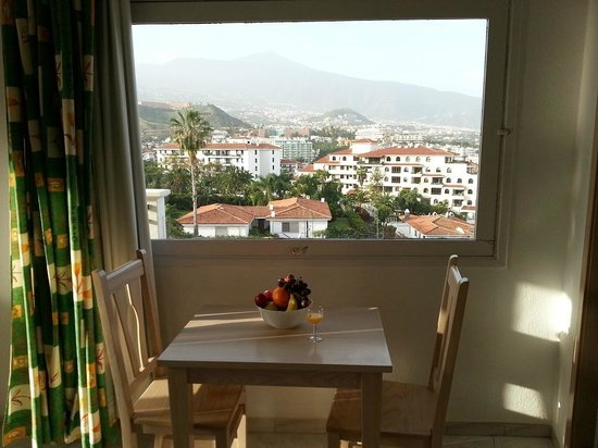 La Carabela Apartments:                   Teide view from kitchen
