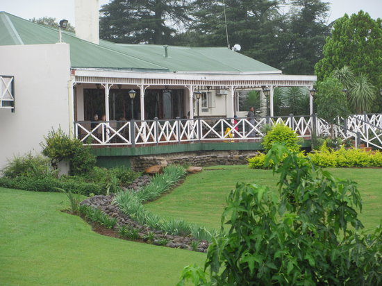 Mont Aux Sources Hotel:                   On a wet and rainy day