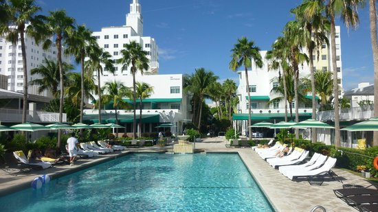 Kimpton Surfcomber Hotel:                   Nice Pool with Free Happy Hour