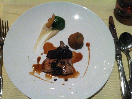 Les Saisons:                   Piece de veau aux truffes