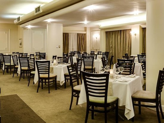 Protea Hotel by Marriott Port Elizabeth Marine: Restaurant