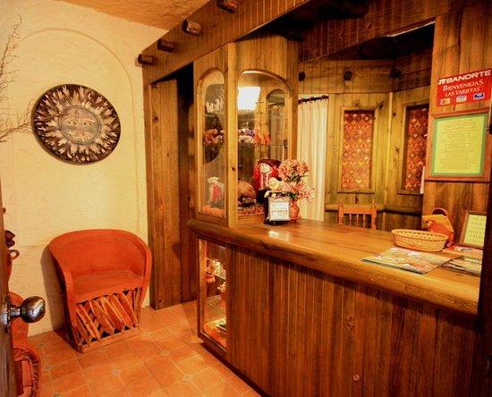 Hotel Bosques del Sol suites: RECEPCIÓN