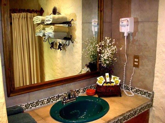 Hotel Bosques del Sol suites: BAÑO