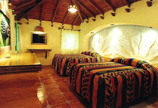 Hotel Bosques del Sol suites: RECÁMARA DOBLE