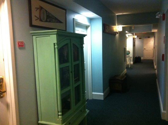 Kendall Hotel :                   One of the hotel's halls where the guest rooms are.