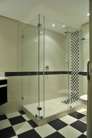 Protea Hotel by Marriott Port Elizabeth Marine: Bathroom