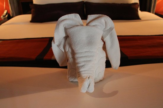 Ratilanna Riverside Spa Resort Chiang Mai:                   Our welcome towel elephant