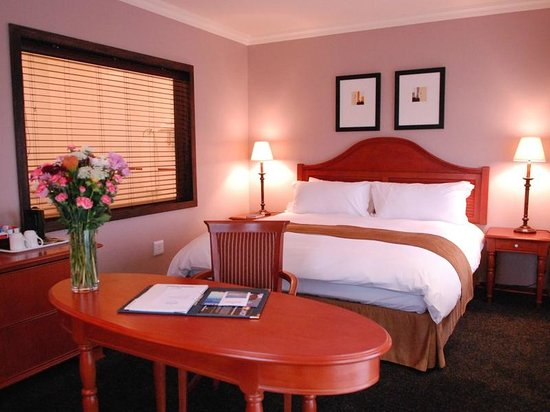 Protea Hotel by Marriott Harrismith Montrose: Bedroom