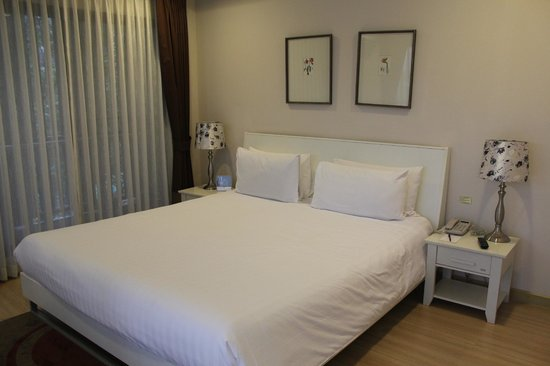 Baan K Residence by Bliston:                   king size bed, there's a tv in the bedroom as well