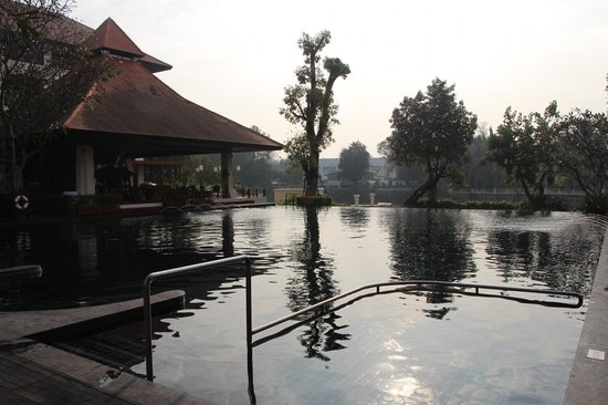 Ratilanna Riverside Spa Resort Chiang Mai:                   Saltwater pool