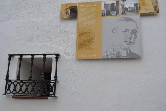 Pueblo Andaluz Casares:                   Casa Natal Blas Infante ( padre nacionalismo andaluz)