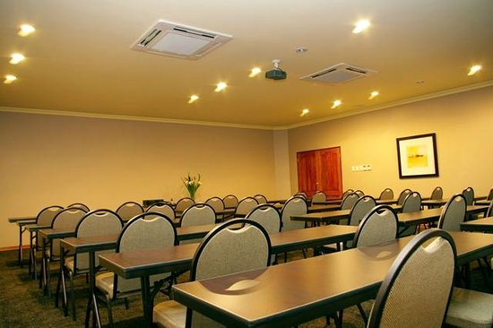 Oakwood Park Hotel: Conference Schoolroom