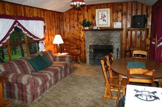 Dan Dee Cabins Resort Image