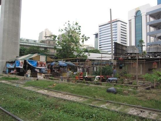myhotel Pratunam:                   the way to phayathai station