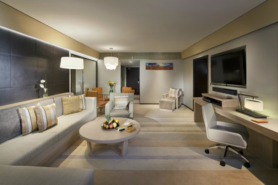 Jumeirah Beach Hotel: Family Garden Suite Living Room