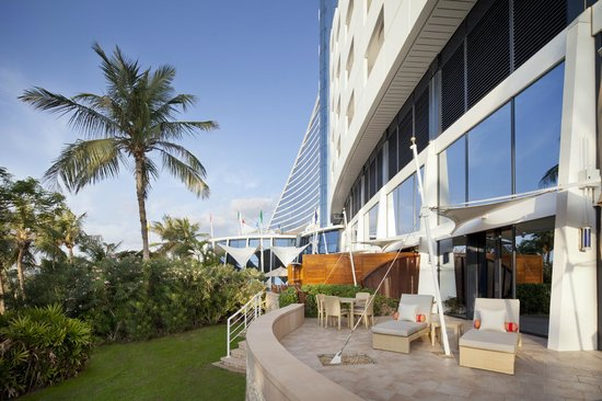 Jumeirah Beach Hotel: Family Garden Suite Terrace