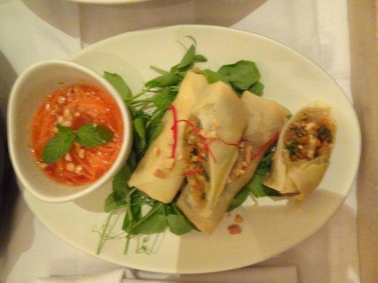 COMO Uma Ubud:                   Delightful, fresh spring rolls