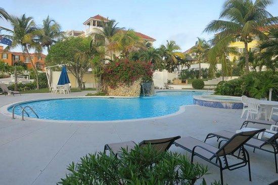 Paradise Harbour Club & Marina:                   Pool
