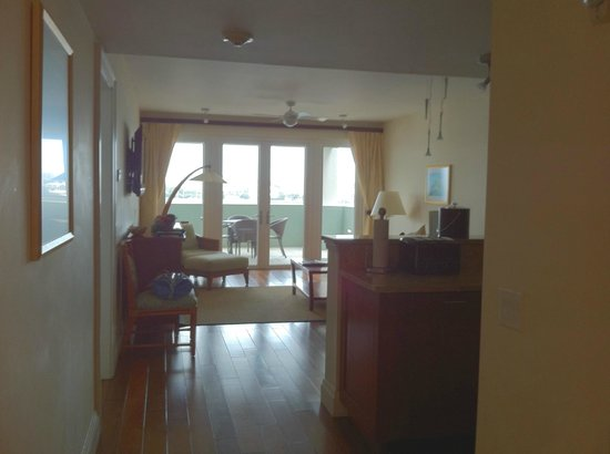 Newstead Belmont Hills Hotel:                   Living Room