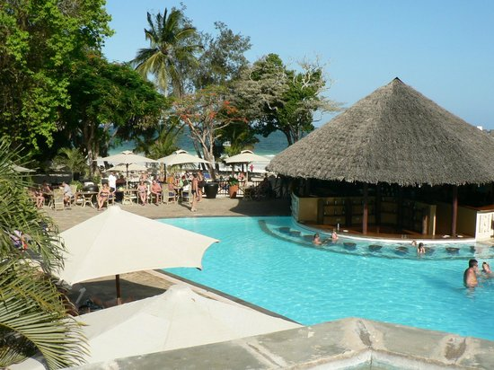 The Baobab - Baobab Beach Resort & Spa:                   Pool bar