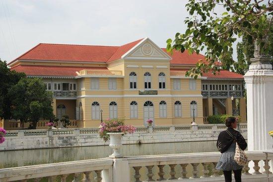 Novotel Bangkok Fenix Silom:                   palazzo del re