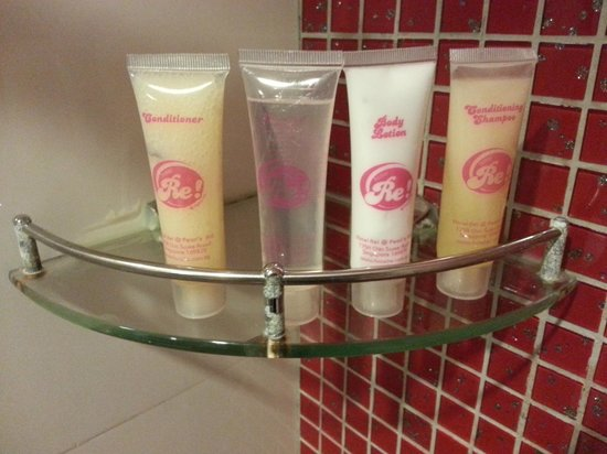 Hotel Re!:                   toiletries