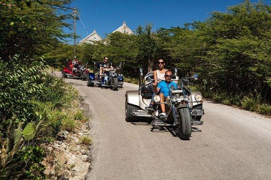 Trikes Aruba on tour - typical neighborhood