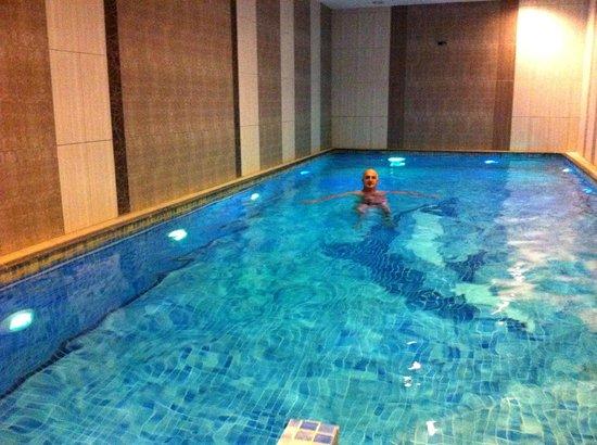 Hotel Sapphire:                   piscine de l'hotel : trop bien