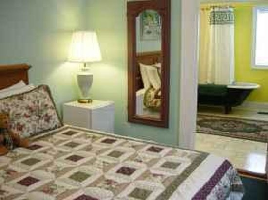 Crescent City Guest House Image