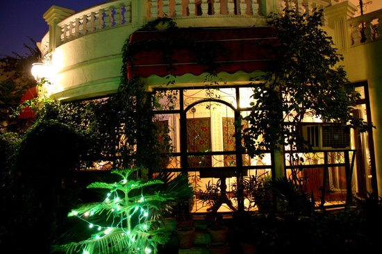 Sugan Niwas Palace:                   Christmas decor