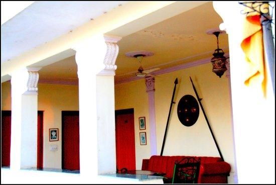Sugan Niwas Palace:                   decoration rajasthani style