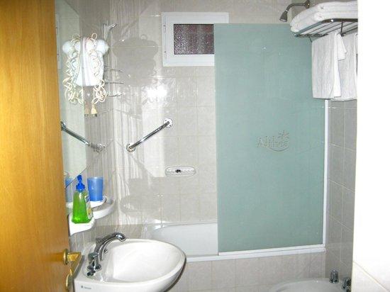 Althea Complejo de Alquiler Turistico:                   Baño