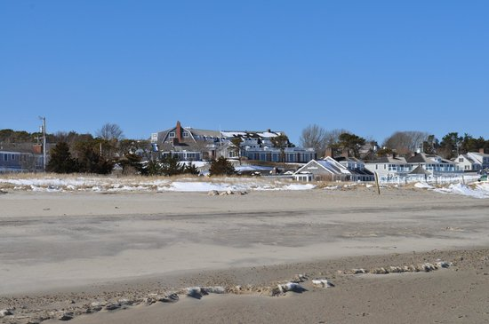 Carriage House Inn:                   Chatham Beach with Snow