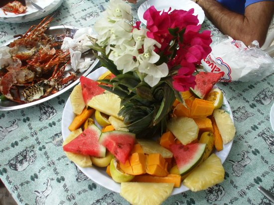 Kenga Giama Resort:                   i pranzi sulla spiaggia organizzati dal resort