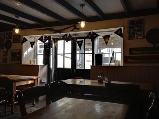 Cadgwith Cove Inn Restaurant:                   great atmosphere
