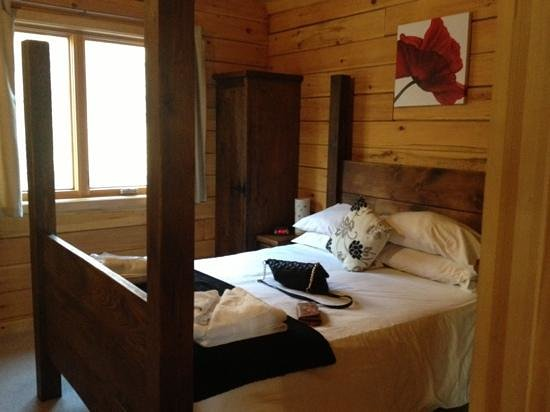 Quarry Walk Lodges:                   the bedroom