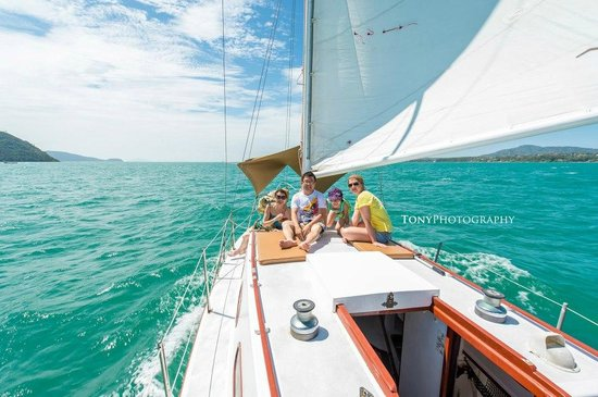 SweetDreamers Charters - Private Day Trips: A Beautiful Sailing Day
