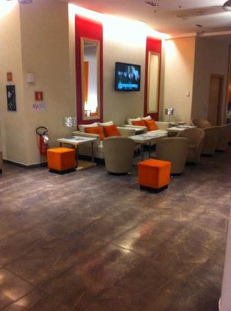 Ramada Plaza Milano:                   hall