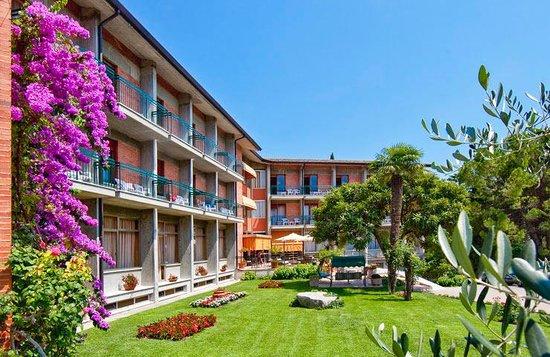 Photo of Hotel Gabbiano Garda