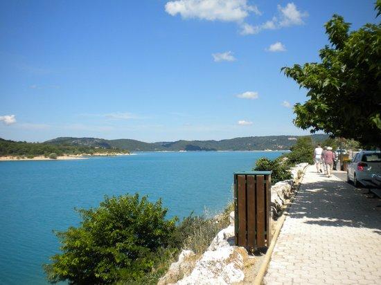 Villa JaRi :                   Lac de Bauduen