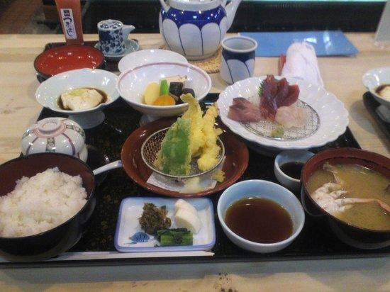 Chikae Fukuoka:                   お得なランチ